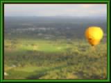 ケアンズの気球と突然の虹